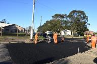 Avenida Tramandaí começa a receber asfalto