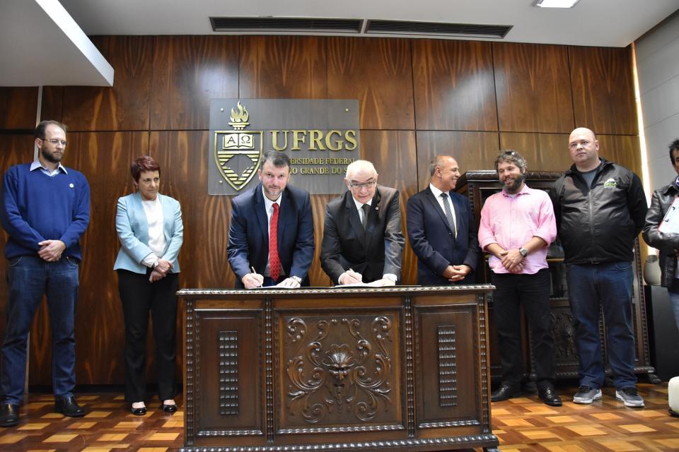 Imbé e UFRGS assinam acordo para monitoramento do bagre