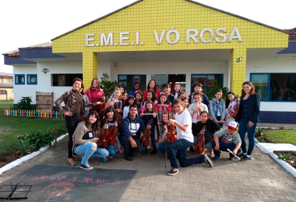"""EMEI Vó Rosa recebeu projeto """"A criança em convívio com a Música"""""""