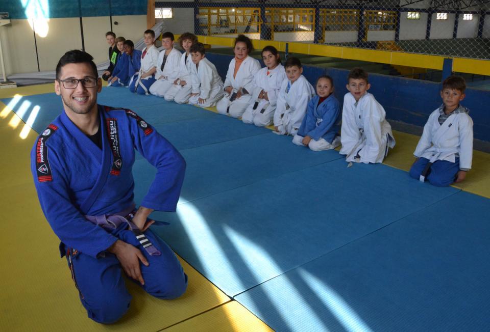 Professor do Centro Esportivo Estudantil disputará Brasileiro de Jiu Jitsu