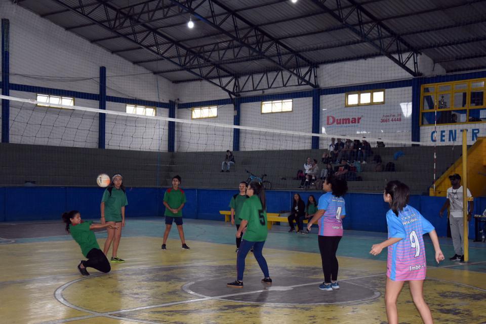 Escola 9 de Maio vence Vôlei Juvenil Feminino nos 16º JIMI