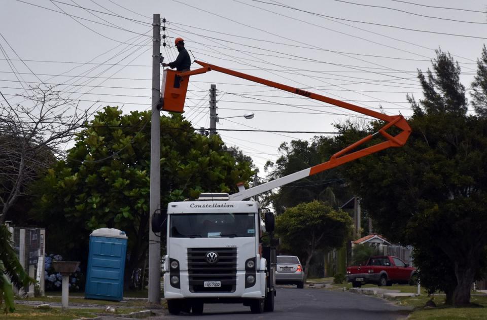 Departamento de Serviços Elétricos atendeu mais de mil pedidos em fevereiro